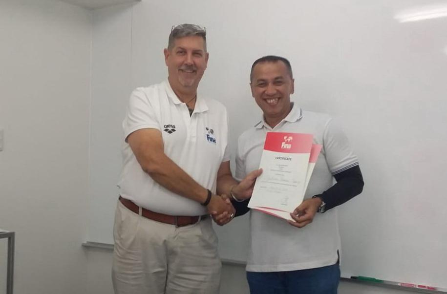 Dr. Ir. Agustinus Hermino Superma Putra.,M.Pd- Raih Sertifikat Federasi Renang Internasional (Fina) di Tokyo