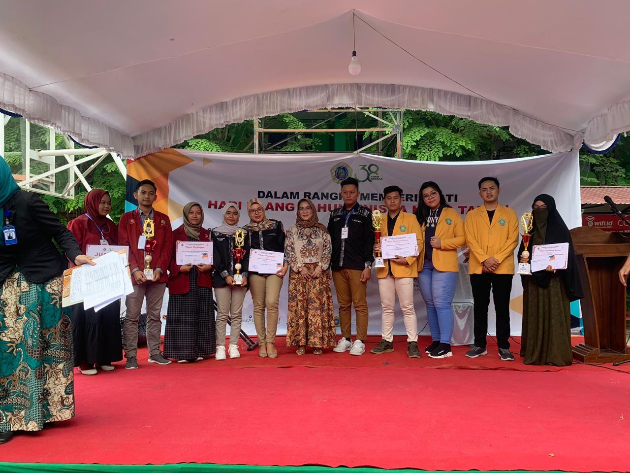 Tim Debat UNISM berhasil meraih juara 3 pada lomba debat bahasa Indonesia
