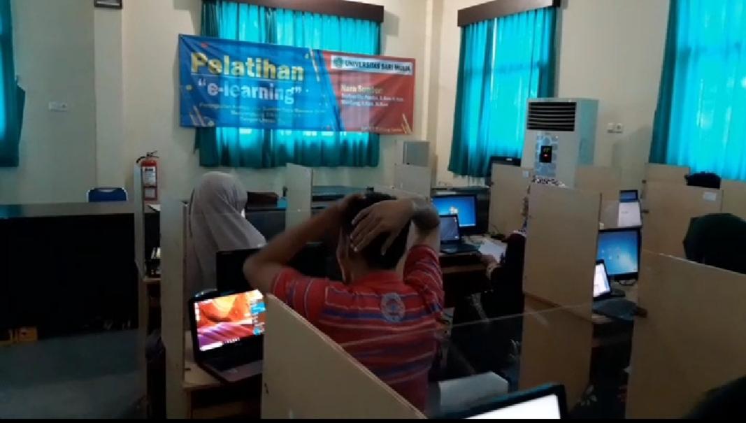 Pelatihan e-learning untuk dosen farmasi