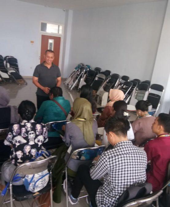 Wakil Rektor III UNISM Berikan Motivasi
