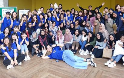 Mahasiswa UNISM di Hari Jadi Departement Kebidanan Fuying University