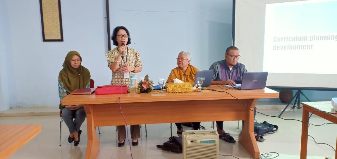 Workshop Peninjauan Kurikulum dan Persamaan Persepsi Pendidikan Interprofesi