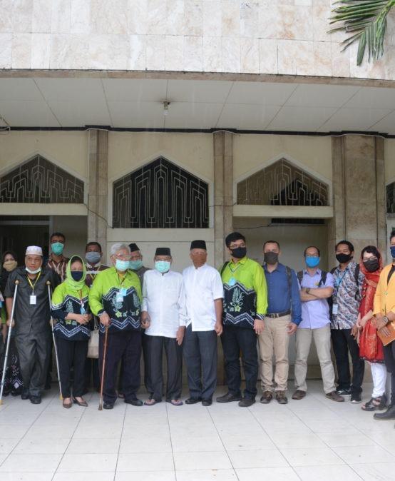 Penyerahan Gate Sanitizer kepada Masjid Sabilal Raya Muhtadin