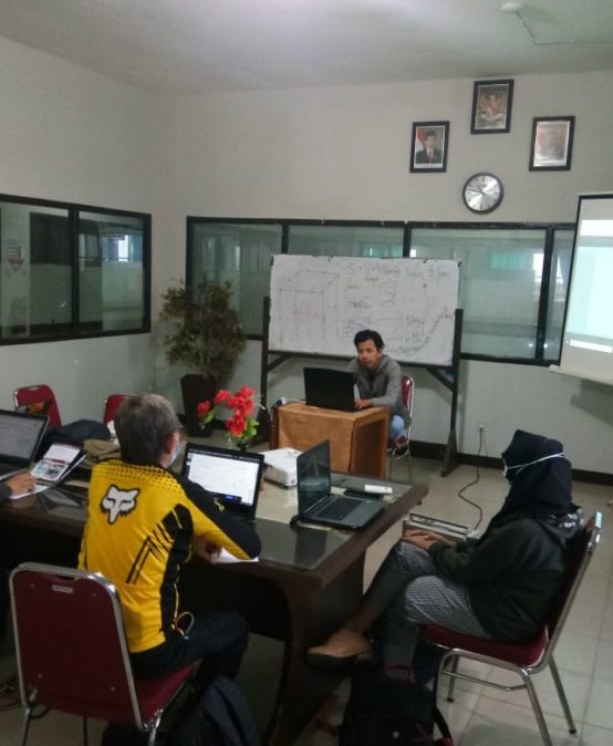 Rapat Teknis Divisi Bahasa SMDC Terkait E-learning untuk Pembelajaran Bahasa Asing di UNISM