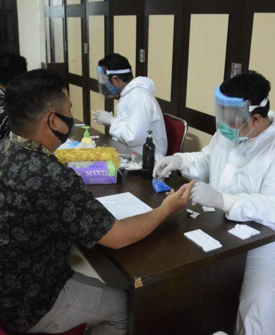 Sosialisasi Dan Upaya Universitas Sari Mulia Dalam Menerapkan Protokol Kesehatan Untuk Persiapan Menuju Masa New Normal sebagai Preventif Covid-19